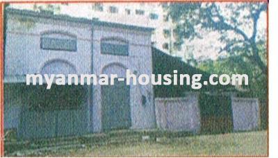 မြန်မာအိမ်ခြံမြေ -ခြံမြေနှင့် စက်ရုံဆက်စပ် ပိုင်ဆိုင်မှုများ property - No.1643 - လုပ်ငန်းလုပ်ရန်အဆောက်အဦးငှားရန်ရှိသည်။ - Vieew of the building.