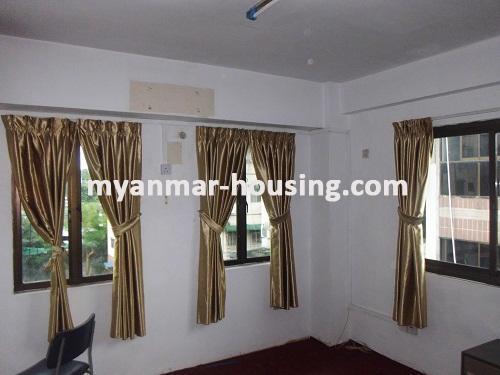မြန်မာအိမ်ခြံမြေ - ငှားရန် property - No.2483 - ဗဟန်းတွင် ရုံးခန်းငှားရန်ရှိသည်။insid view