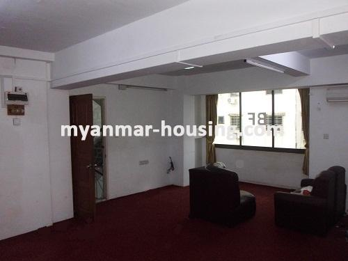 မြန်မာအိမ်ခြံမြေ - ငှားရန် property - No.2483 - ဗဟန်းတွင် ရုံးခန်းငှားရန်ရှိသည်။inside photo
