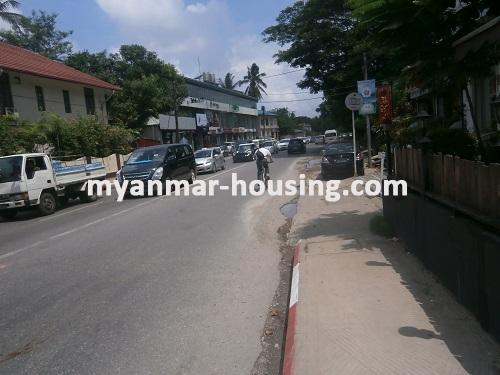 မြန်မာအိမ်ခြံမြေ - ငှားရန် property - No.2533 - N/AView of the road.
