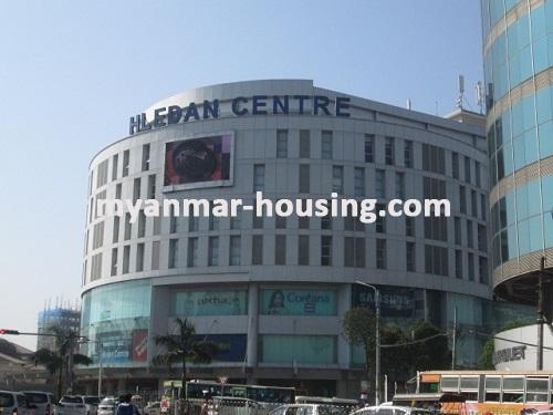 မြန်မာအိမ်ခြံမြေ - ငှားရန် property - No.2734 - လှည်းတန်းစင်တာတွင်ရုံးခန်းငှားရန်ရှိသည်။