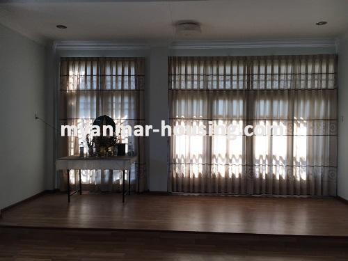 မြန်မာအိမ်ခြံမြေ - ငှားရန် property - No.3224 - နေပြည်တော်တွင် တစ်ထပ်တိုက်လုံးချင်းတစ်လုံးဌားရန်ရှိသည်။view of living room.