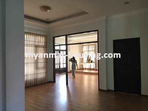 မြန်မာအိမ်ခြံမြေ - ငှားရန် property - No.3224 - နေပြည်တော်တွင် တစ်ထပ်တိုက်လုံးချင်းတစ်လုံးဌားရန်ရှိသည်။view of living room