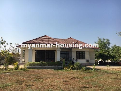 မြန်မာအိမ်ခြံမြေ - ငှားရန် property - No.3224 - နေပြည်တော်တွင် တစ်ထပ်တိုက်လုံးချင်းတစ်လုံးဌားရန်ရှိသည်။view of the building with compound