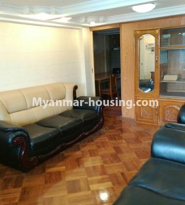 မြန်မာအိမ်ခြံမြေ - ငှားရန် property - No.3429 - ဗဟန်းတွင် ပရိဘောဂပါသော တိုက်ခန်းငှားရန်ရှိသည်။living room view