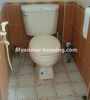မြန်မာအိမ်ခြံမြေ - ငှားရန် property - No.3429 - ဗဟန်းတွင် ပရိဘောဂပါသော တိုက်ခန်းငှားရန်ရှိသည်။toilet view
