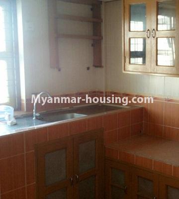 မြန်မာအိမ်ခြံမြေ - ငှားရန် property - No.3429 - ဗဟန်းတွင် ပရိဘောဂပါသော တိုက်ခန်းငှားရန်ရှိသည်။kitchen view