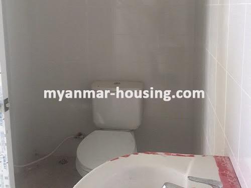 မြန်မာအိမ်ခြံမြေ - ငှားရန် property - No.3518 - သာကေတတွင် လုပ်ငန်းလုပ်ရန်အတွက် မြေညီထပ်ငှါးရန်ရှိသည်။bathroom view
