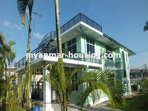 မြန်မာအိမ်ခြံမြေ - ငှားရန် property - No.3663 - အင်းစိန်အောင်ဇေယျတံတားအနီးတွင် လုံးချင်းတစ်လုံးငှါးရန်ရှိသည်။house view from another side