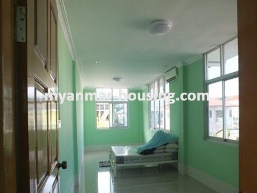 မြန်မာအိမ်ခြံမြေ - ငှားရန် property - No.3663 - အင်းစိန်အောင်ဇေယျတံတားအနီးတွင် လုံးချင်းတစ်လုံးငှါးရန်ရှိသည်။master bedroom