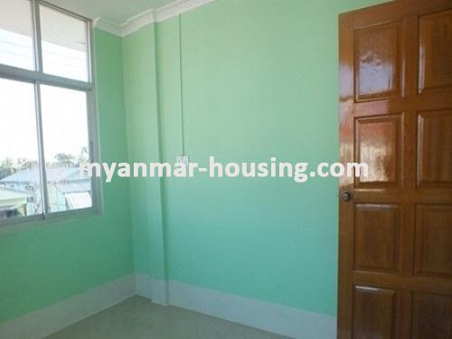 မြန်မာအိမ်ခြံမြေ - ငှားရန် property - No.3663 - အင်းစိန်အောင်ဇေယျတံတားအနီးတွင် လုံးချင်းတစ်လုံးငှါးရန်ရှိသည်။single bedroom