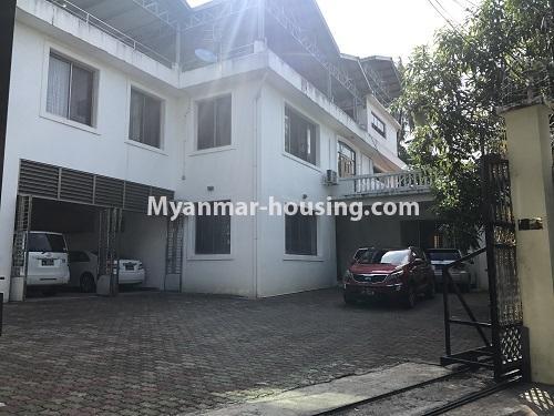 မြန်မာအိမ်ခြံမြေ - ငှားရန် property - No.3931 - မရမ်းကုန်း၊ ၇ မိုင်ခွဲတွင် ရုံးခန်းကြီးဖွင့်ရန်အတွက် ခြံကျယ် လုံးချင်းတစ်လုံးချင်း ငှါးရန်ရှိသည်။entrance view