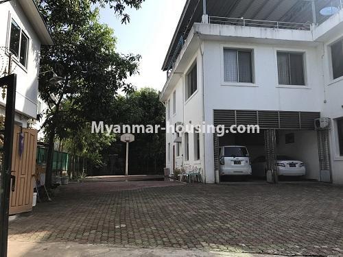 မြန်မာအိမ်ခြံမြေ - ငှားရန် property - No.3931 - မရမ်းကုန်း၊ ၇ မိုင်ခွဲတွင် ရုံးခန်းကြီးဖွင့်ရန်အတွက် ခြံကျယ် လုံးချင်းတစ်လုံးချင်း ငှါးရန်ရှိသည်။ front side view