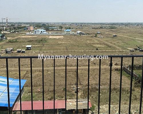 မြန်မာအိမ်ခြံမြေ - ငှားရန် property - No.4001 - ဒဂုံဆိပ်ကမ်းမြို့နယ်တွင် တိုက်သစ်ကွန်ဒွန်ခန်းငှါးရန်ရှိသည်။veranda