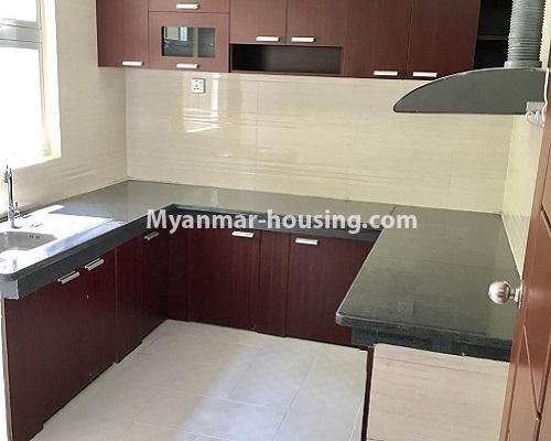 မြန်မာအိမ်ခြံမြေ - ငှားရန် property - No.4001 - ဒဂုံဆိပ်ကမ်းမြို့နယ်တွင် တိုက်သစ်ကွန်ဒွန်ခန်းငှါးရန်ရှိသည်။kitchen