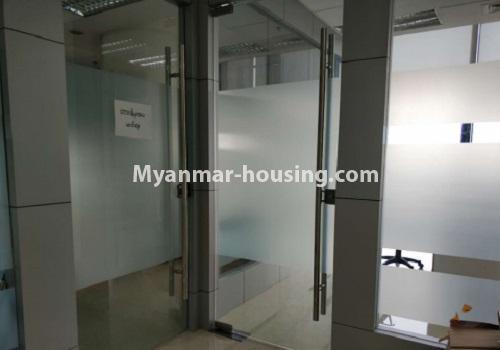 မြန်မာအိမ်ခြံမြေ - ငှားရန် property - No.4085 - Crystal Office Tower တွင် ရုံးခန်းငှားရန်ရှိသည်။entrance view