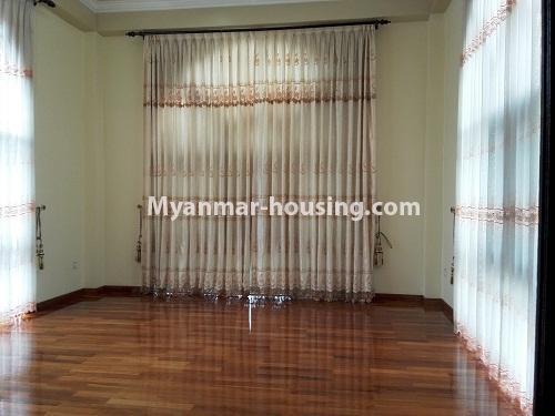 မြန်မာအိမ်ခြံမြေ - ငှားရန် property - No.4090 - ဗဟန်းမြို့နယ်တွင် သုံးထပ်တိုက်လုံးချင်းအိမ် တစ်လုံးဌားရန် ရှိပါသည်။View of the room