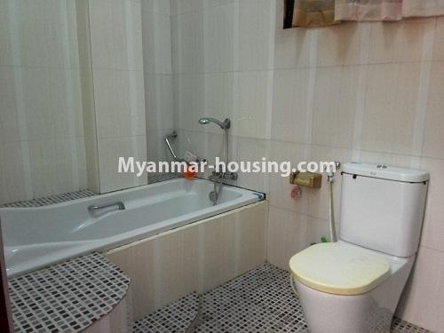 မြန်မာအိမ်ခြံမြေ - ငှားရန် property - No.4090 - ဗဟန်းမြို့နယ်တွင် သုံးထပ်တိုက်လုံးချင်းအိမ် တစ်လုံးဌားရန် ရှိပါသည်။View of toilet and bathroom