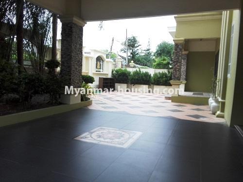 မြန်မာအိမ်ခြံမြေ - ငှားရန် property - No.4090 - ဗဟန်းမြို့နယ်တွင် သုံးထပ်တိုက်လုံးချင်းအိမ် တစ်လုံးဌားရန် ရှိပါသည်။View of ground floor