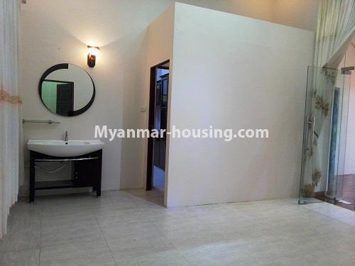 မြန်မာအိမ်ခြံမြေ - ငှားရန် property - No.4090 - ဗဟန်းမြို့နယ်တွင် သုံးထပ်တိုက်လုံးချင်းအိမ် တစ်လုံးဌားရန် ရှိပါသည်။view of dinning room