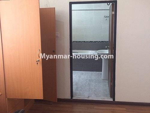 ミャンマー不動産 - 賃貸物件 - No.4100 - A Good Condominium room for rent in Mingalar Taung Nyunt. - bathroom