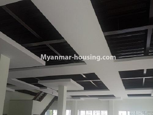 မြန်မာအိမ်ခြံမြေ - ငှားရန် property - No.4135 - အလုံတွင် စားသောက်ဆိုင် ( သို့) အရောင်းပြခန်း (သို့) ရုံးခန်း ငှားရန်ရှိသည်။