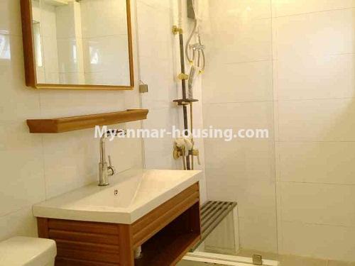 မြန်မာအိမ်ခြံမြေ - ငှားရန် property - No.4172 - တောင်ဥက္ကလာတွင် ကွန်ဒိုတိုက်ခန်းသစ် ငှားရန်ရှိသည်။bathroom view