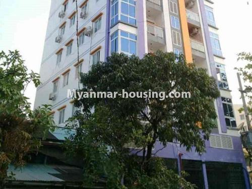 မြန်မာအိမ်ခြံမြေ - ငှားရန် property - No.4172 - တောင်ဥက္ကလာတွင် ကွန်ဒိုတိုက်ခန်းသစ် ငှားရန်ရှိသည်။lower view of building