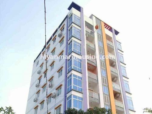 မြန်မာအိမ်ခြံမြေ - ငှားရန် property - No.4172 - တောင်ဥက္ကလာတွင် ကွန်ဒိုတိုက်ခန်းသစ် ငှားရန်ရှိသည်။upper view of the building