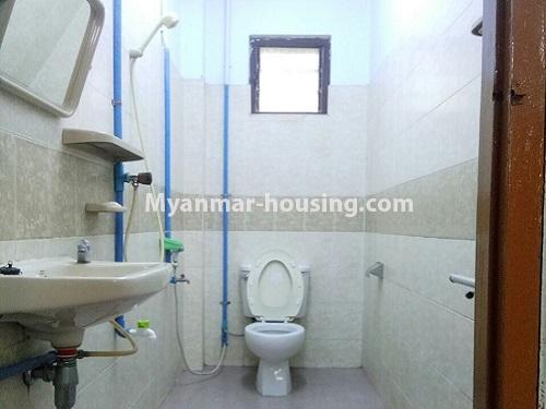 မြန်မာအိမ်ခြံမြေ - ငှားရန် property - No.4181 - တာမွေ ၁၄၇ လမ်းတွင် အိမ်ငှားရန် ရှိသည်။another bathroom