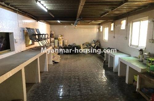 မြန်မာအိမ်ခြံမြေ - ငှားရန် property - No.4204 - တာမွေတွင် ဆိုင်ခန်းငှားရန်ရှိသည်။kitchen view