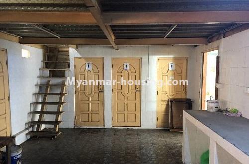 မြန်မာအိမ်ခြံမြေ - ငှားရန် property - No.4204 - တာမွေတွင် ဆိုင်ခန်းငှားရန်ရှိသည်။stairs to staff quarter