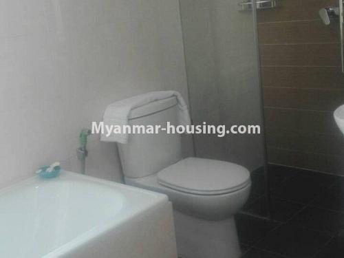 မြန်မာအိမ်ခြံမြေ - ငှားရန် property - No.4232 - ရန်ကုန်မြို့လည်ခေါင်တွင် ကွန်ဒိုခန်းအသစ် ငှားရန်ရှိသည်။compound bathroom view