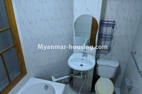 ミャンマー不動産 - 賃貸物件 - No.4239 - E condo room for rent in Dagon! - compound bathroom
