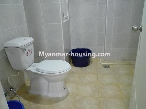 မြန်မာအိမ်ခြံမြေ - ငှားရန် property - No.4287 - အင်းစိန်တွင် ကွန်ဒိုခန်းသစ် ငှားရန်ရှိသည်။bathroom view