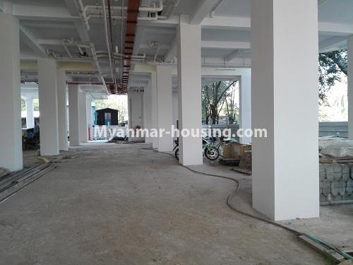 မြန်မာအိမ်ခြံမြေ - ငှားရန် property - No.4287 - အင်းစိန်တွင် ကွန်ဒိုခန်းသစ် ငှားရန်ရှိသည်။car parking view