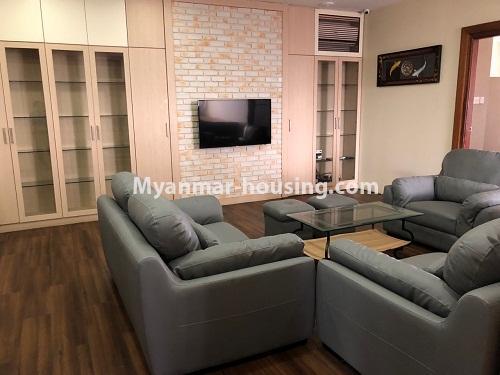 မြန်မာအိမ်ခြံမြေ - ငှားရန် property - No.4313 - မင်္ဂလာတောင်ညွန့် Green Lake ကွန်ဒိုတွင် အခန်းငှားရန်ရှိသည်။living room