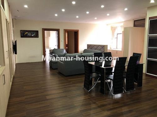 မြန်မာအိမ်ခြံမြေ - ငှားရန် property - No.4313 - မင်္ဂလာတောင်ညွန့် Green Lake ကွန်ဒိုတွင် အခန်းငှားရန်ရှိသည်။living room and dining area