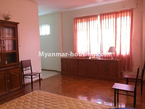 မြန်မာအိမ်ခြံမြေ - ငှားရန် property - No.4321 - တောင်ဥက္ကလာ မြသီတာအိမ်ရာတွင် လုံးချင်းငှားရန်ရှိသည်။ master bedroom