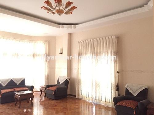 မြန်မာအိမ်ခြံမြေ - ငှားရန် property - No.4321 - တောင်ဥက္ကလာ မြသီတာအိမ်ရာတွင် လုံးချင်းငှားရန်ရှိသည်။ living room