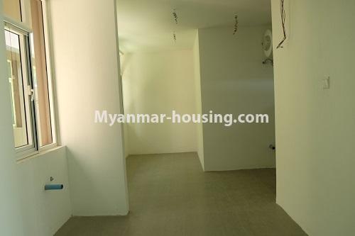 မြန်မာအိမ်ခြံမြေ - ငှားရန် property - No.4324 - မြောက်ဒဂုံတွင် ကွန်ဒိုခန်း အသစ်ငှားရန် ရှိသည်။. master bedroom 1