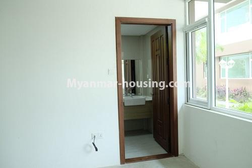 မြန်မာအိမ်ခြံမြေ - ငှားရန် property - No.4324 - မြောက်ဒဂုံတွင် ကွန်ဒိုခန်း အသစ်ငှားရန် ရှိသည်။. master bedroom 2