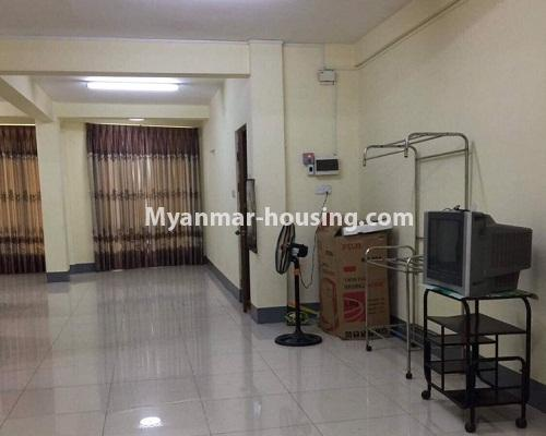 ミャンマー不動産 - 賃貸物件 - No.4332 - Apartment for rent in Highway Complex, Kamaryut. - living room area