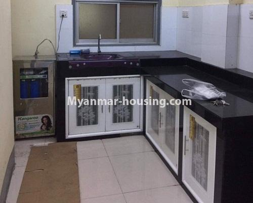 ミャンマー不動産 - 賃貸物件 - No.4332 - Apartment for rent in Highway Complex, Kamaryut. - kitchen area