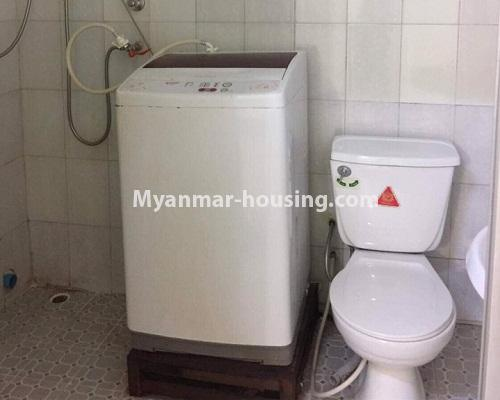 ミャンマー不動産 - 賃貸物件 - No.4332 - Apartment for rent in Highway Complex, Kamaryut. - compoung bathroom and toilet