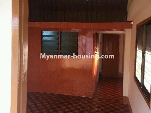 မြန်မာအိမ်ခြံမြေ - ငှားရန် property - No.4353 - တာမွေတွင် တိုက်ခန်း ငှားရန်ရှိသည်။ living room and bedroom view