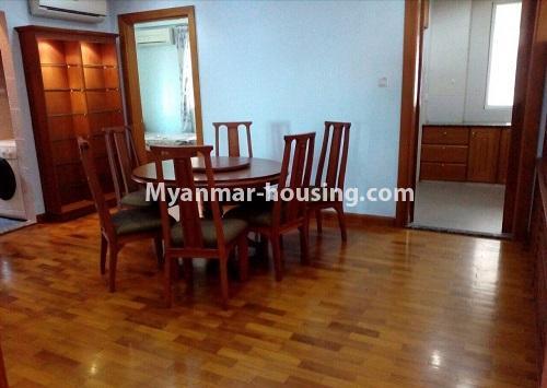 မြန်မာအိမ်ခြံမြေ - ငှားရန် property - No.4367 - မြို့ထဲ မောင်၀ိတ် ကွန်ဒိုတွင် အခန်းငှားရန် ရှိ်သည်။dining area