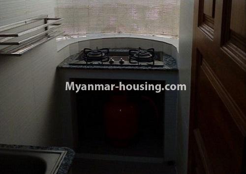 မြန်မာအိမ်ခြံမြေ - ငှားရန် property - No.4367 - မြို့ထဲ မောင်၀ိတ် ကွန်ဒိုတွင် အခန်းငှားရန် ရှိ်သည်။oven