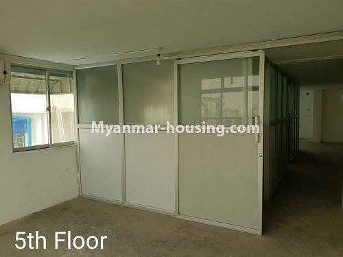 မြန်မာအိမ်ခြံမြေ - ငှားရန် property - No.4376 - ဒေါပုံတွင် ခြောက်ထပ်တိုက် ငှားရန်ရှိသည်။fifth floor living room