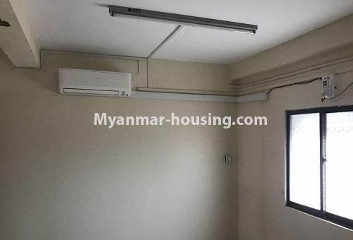 မြန်မာအိမ်ခြံမြေ - ငှားရန် property - No.4386 - တောင်ဥက္ကလာတွင် တိုက်ခန်း ငှားရန်ရှိသည်။bedroom